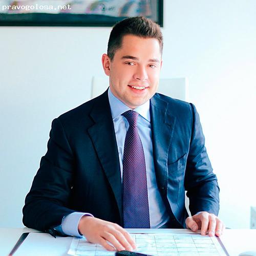 Отзыв на Бизнесмен Артем Комаров